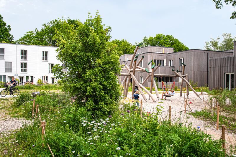 Ökologische Siedlung in Holzbauweise